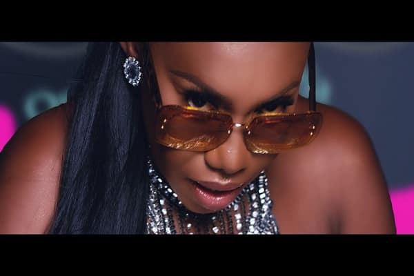 Niniola Sicker Video