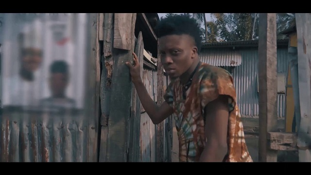 Oxlade Laegend Video`